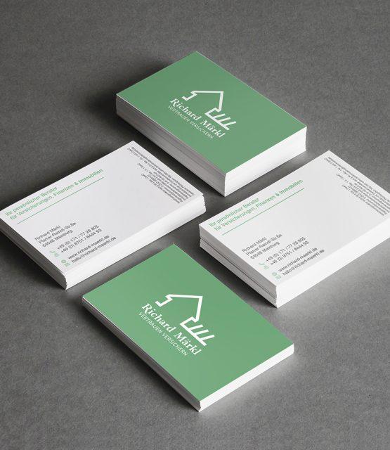 Visitenkarten in grün und weiß für Versicherungsmakler